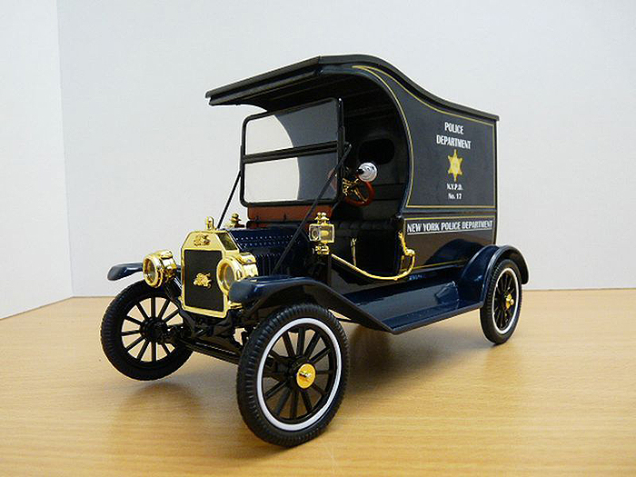 1915 ford model t cargo van ny police department for Ford models new york